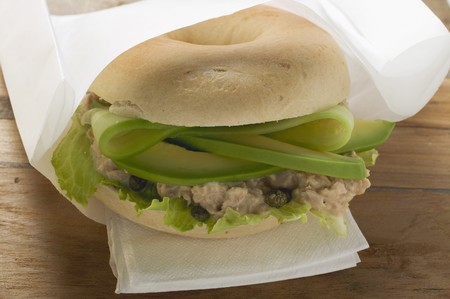 tunafish: Bagel filled with avocado, tuna salad and capers LANG_EVOIMAGES