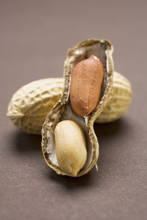shelled: Peanuts, shelled and unshelled
