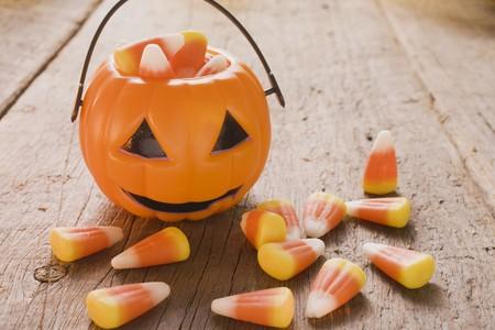 candy corn: Candy corn (Halloween sweets, USA), pumpkin lantern