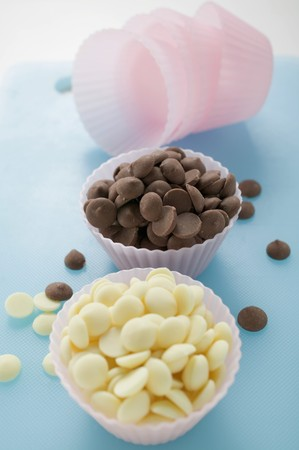 choco chips: White and dark chocolate chips in pink paper cases