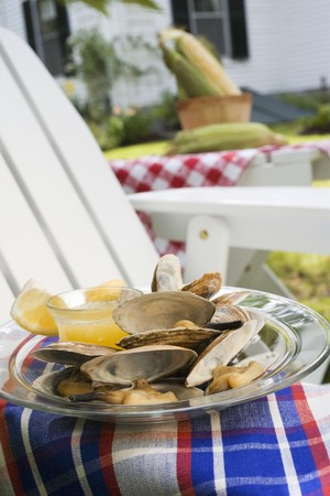 clam gardens: Clams with lemon and butter