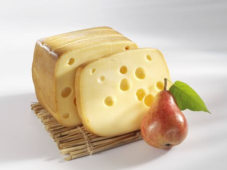 pip: Smoked Swiss cheese with pear