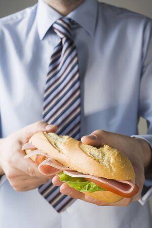 ham sandwich: Un panino al prosciutto per l'ufficio