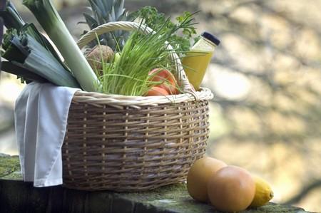 obst und gem�se: Frisches Obst, Gem�se und Saft in den Warenkorb LANG_EVOIMAGES