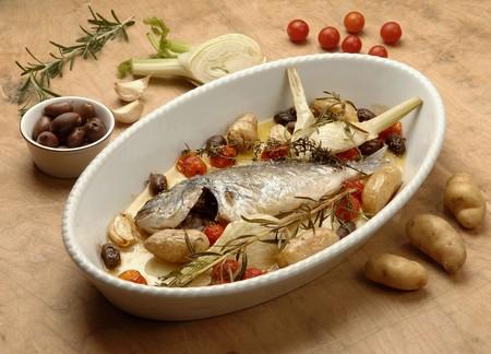 sea bream: Sea bream with potatoes and herbs