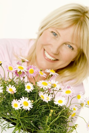 marguerites: Woman with marguerites