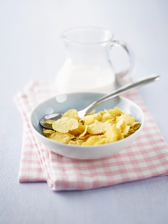 cornflakes: Cornflakes with milk for breakfast
