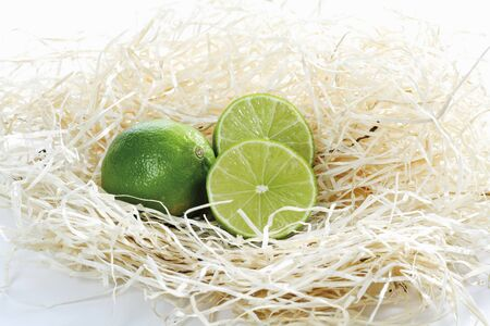 halved: Whole and halved limes