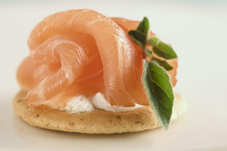amuse: Smoked salmon on a cracker