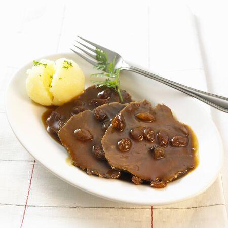 rhine westphalia: Rhineland Sauerbraten (Marinated braised beef) LANG_EVOIMAGES