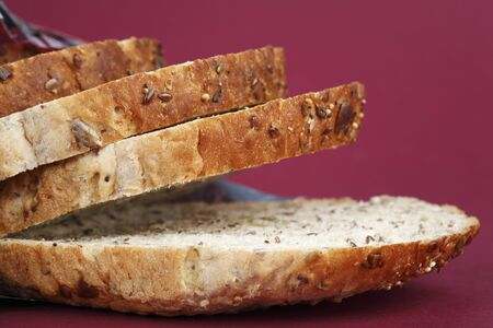 several breads: Several slices of granary bread LANG_EVOIMAGES