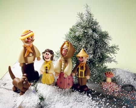 figurative: A marzipan family