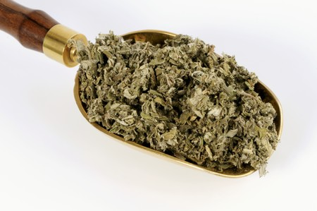 nature cure: Dried Chinese mugwort in a scoop