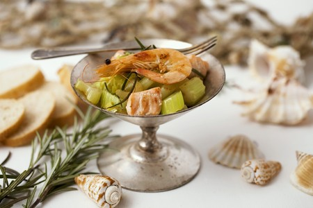 foeniculum: Fried fennel with salmon, prawns and rosemary LANG_EVOIMAGES
