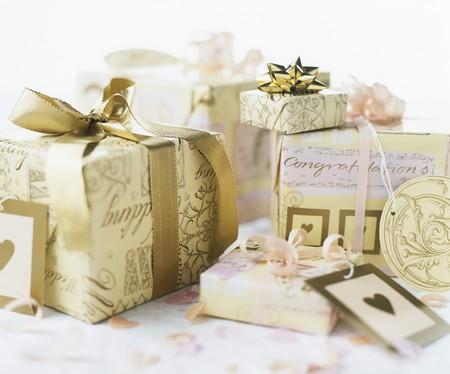 wedding gifts: Wedding gifts