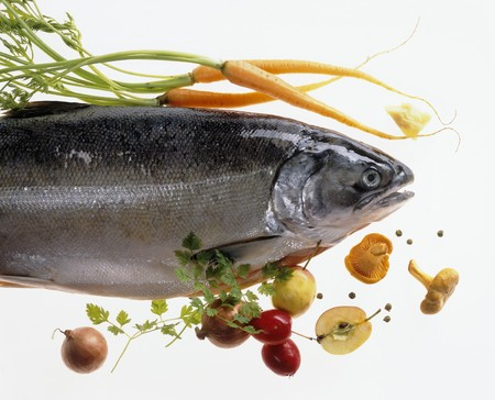 salmo trutta: Salmon trout with vegetables