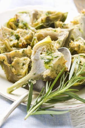 aaa: Artichokes with cheese and herb gratin topping