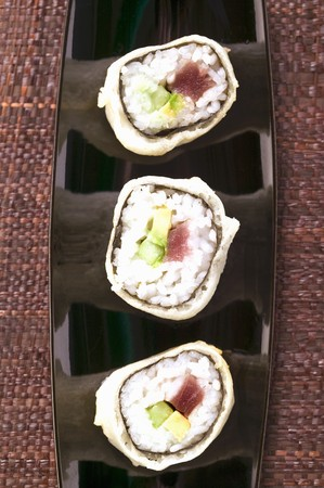 maki sushi: Maki sushi with tuna, cucumber and avocado