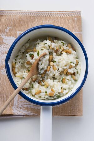 pine kernels: Lemon risotto with pine nuts