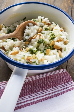 pine kernels: Lemon risotto with pine nuts and pesto