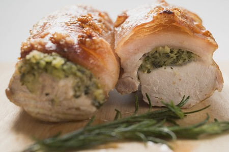 stuffing: Roast pork with crackling and herb stuffing LANG_EVOIMAGES