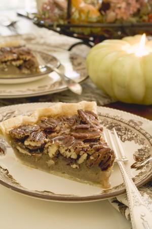 pecan pie: Pedazo de pastel de nuez de Acci�n de Gracias LANG_EVOIMAGES