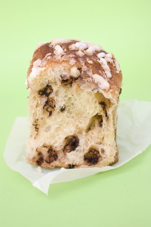 choco chips: Pane dolce (sweet Italian bread) with chocolate chips LANG_EVOIMAGES
