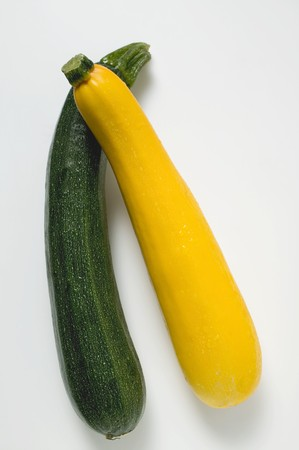 Yellow and green courgettes LANG_EVOIMAGES