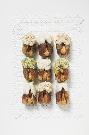 glazes: Stuffed dates (Date sweets)