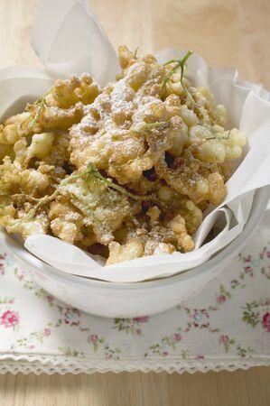 bign�: Frittelle di fiori di sambuco
