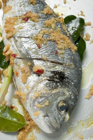 gilthead bream: Marinated gilthead bream with lemon grass LANG_EVOIMAGES