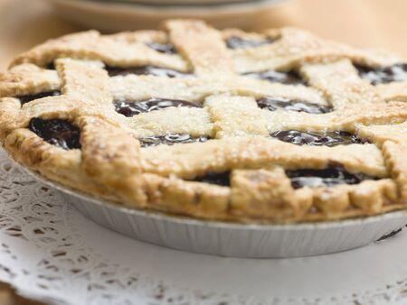 blueberry pie: Empanada de ar�ndano con enrejado de los pasteles