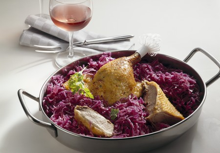 red cabbage: Roast goose with red cabbage