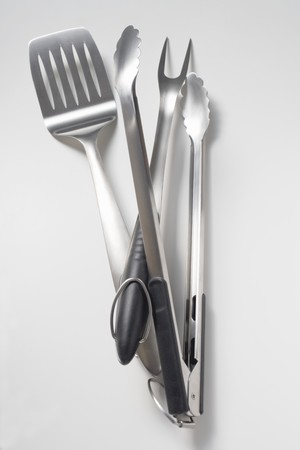 qs: Barbecue tools (tongs, carving fork, spatula) LANG_EVOIMAGES