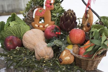 obst und gem�se: Lebkuchen, Obst, Gem�se und Mistel