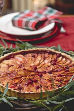 vaccinium macrocarpon: Apple and cranberry tart for Christmas LANG_EVOIMAGES
