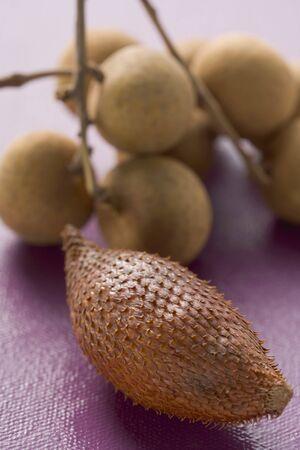 salak: Salak fruits and longans