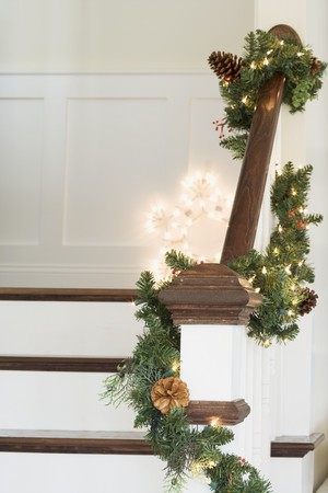 festoons: Staircase decorated for Christmas