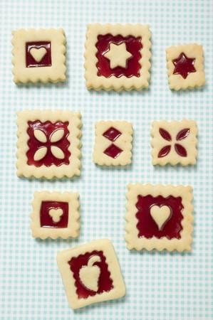 jam biscuits: Nove marmellata biscotti quadrati