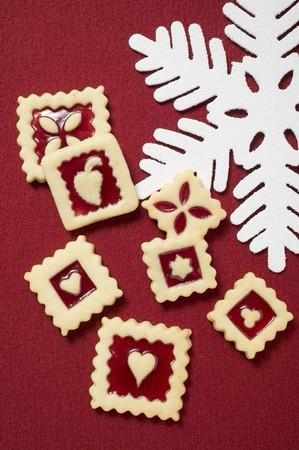 jam biscuits: Diversi biscotti marmellata quadrati per Natale