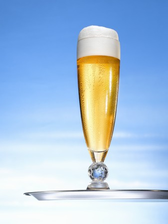 chalices: Lager in glass goblet