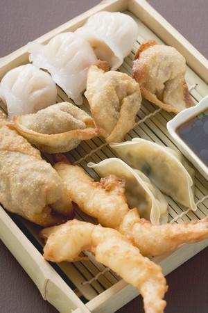 appetiser: Asian appetiser platter