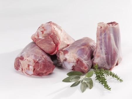 shin bone: Fresh lamb shanks LANG_EVOIMAGES