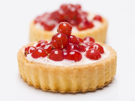 redcurrant: Two individual redcurrant flans with custard filling LANG_EVOIMAGES