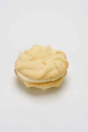 buttercream: Sandwich cookie with lemon buttercream filling