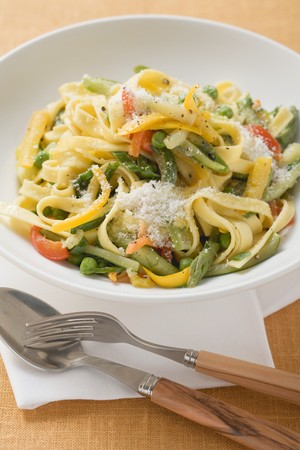 primavera: Tagliatelle primavera with vegetables and grated cheese LANG_EVOIMAGES