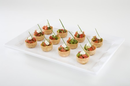 amuse: Croustades with spring onions, cherry tomatoes, garlic dip