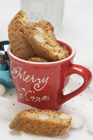 christmassy: Cantucci in Christmassy cup
