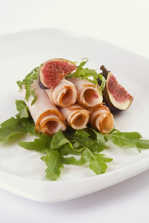 roquette: Ham rolls with rocket and figs LANG_EVOIMAGES