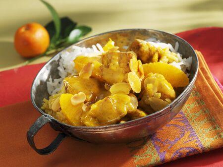 chicken curry: H�hnchencurry mit Orangen und Reis
